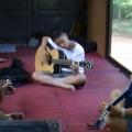 happy_guitar03